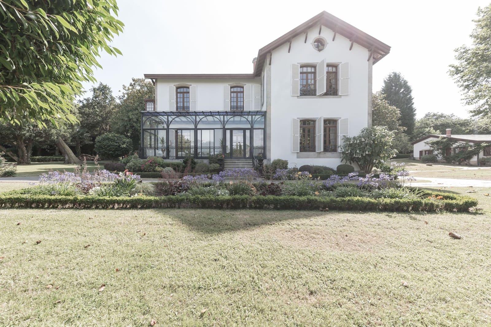 6 soverom Villa til salgs i Bergondo (Carrio) med svømmebasseng garasje - € 3 500 000 (Ref: 4963998)