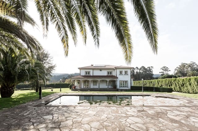 7 sovrum Villa till salu i A Laracha med pool garage - 990 000 € (Ref: 5719290)