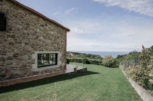 4 soveværelse Villa til leje i A Laracha med garage - € 5.000 (Ref: 6096831)