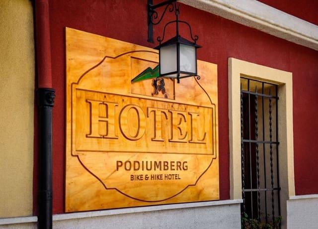Local Comercial de 15 habitaciones en Quatretondeta en venta con piscina - 2.199.985 € (Ref: 4635511)