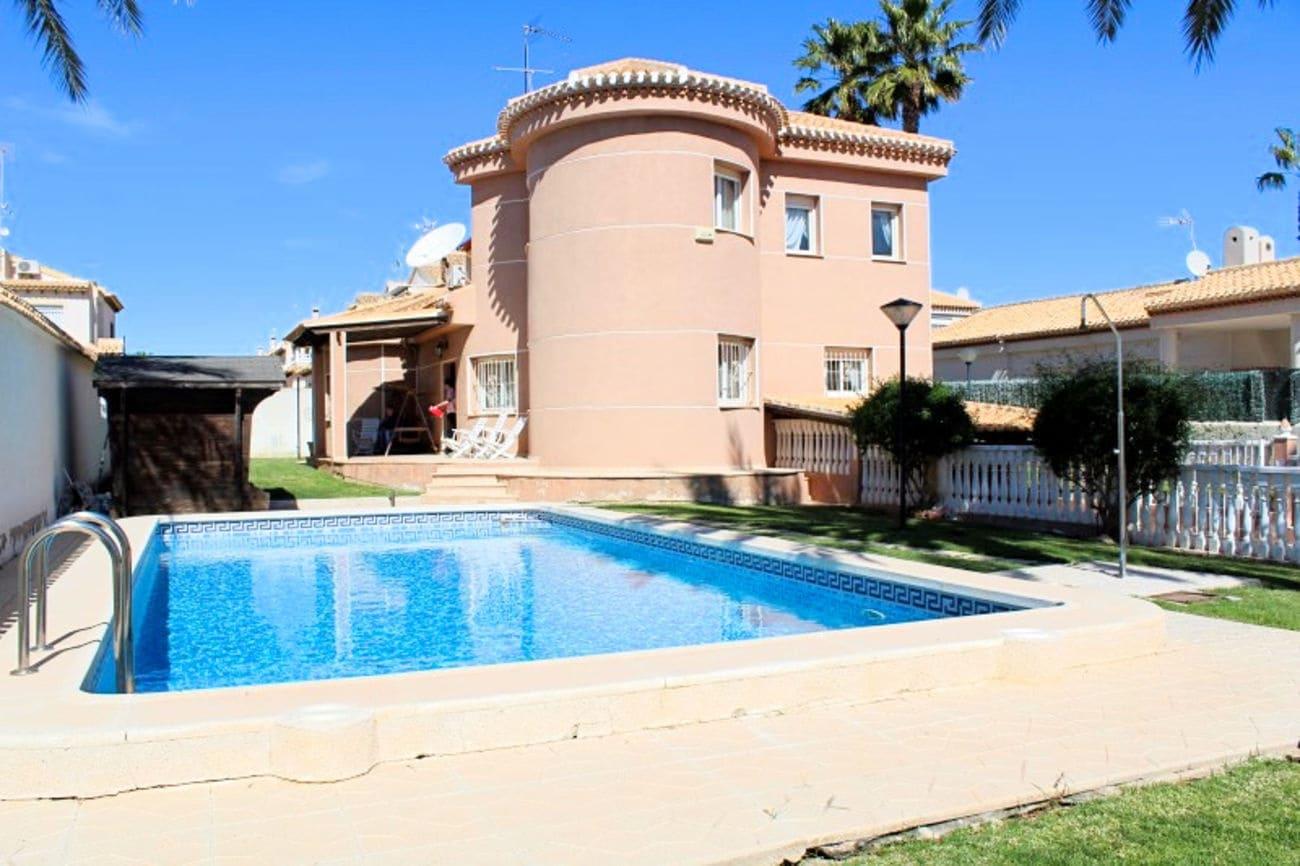 Chalet de 4 habitaciones en Playa Flamenca en venta con piscina - 485.000 € (Ref: 4635523)