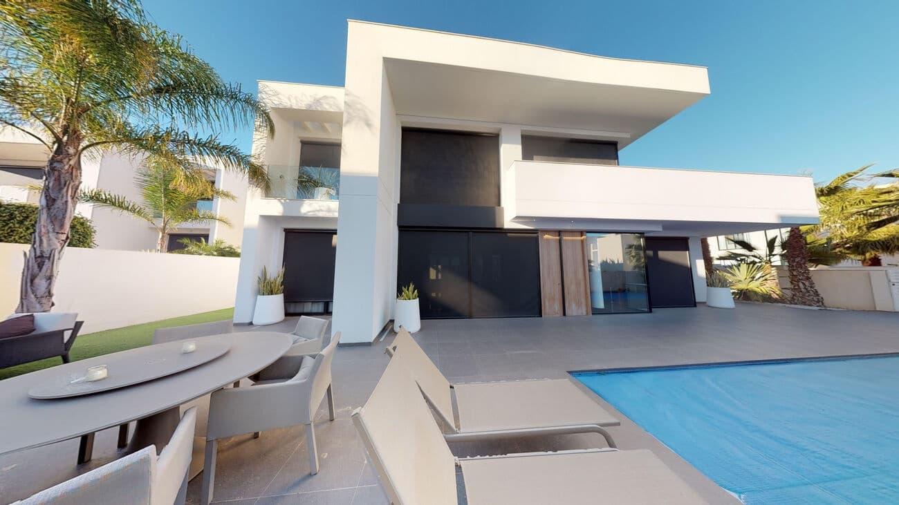 3 bedroom Villa for sale in Ciudad Quesada with pool - € 550,000 (Ref: 4957264)
