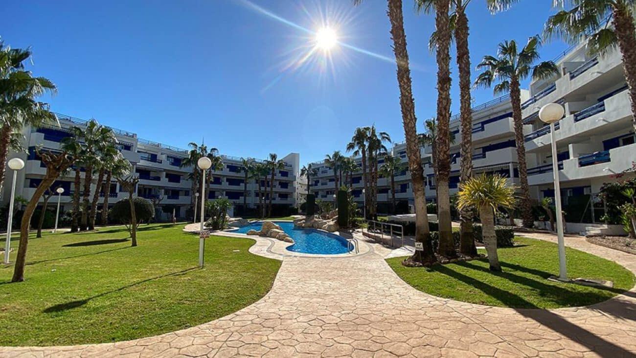 Apartamento de 2 habitaciones en Playa Flamenca en venta - 124.999 € (Ref: 5089803)