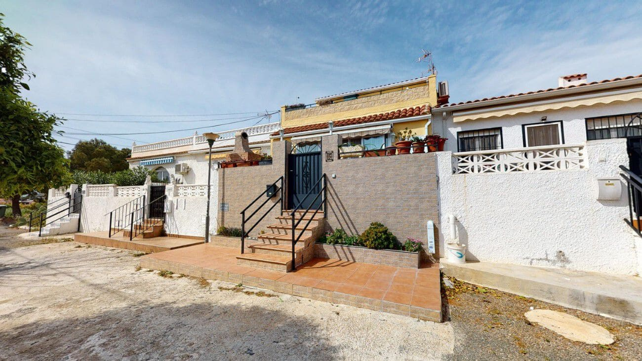 3 bedroom Bungalow for sale in Torrevieja - € 114,995 (Ref: 5151453)