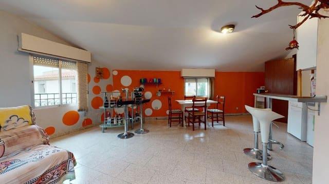 Casa de 6 habitaciones en Novillas en venta - 59.500 € (Ref: 5807585)