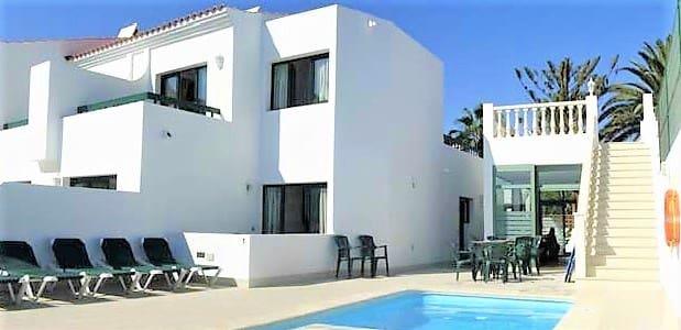 14 chambre Hôtel à vendre à Corralejo - 3 160 000 € (Ref: 5891690)
