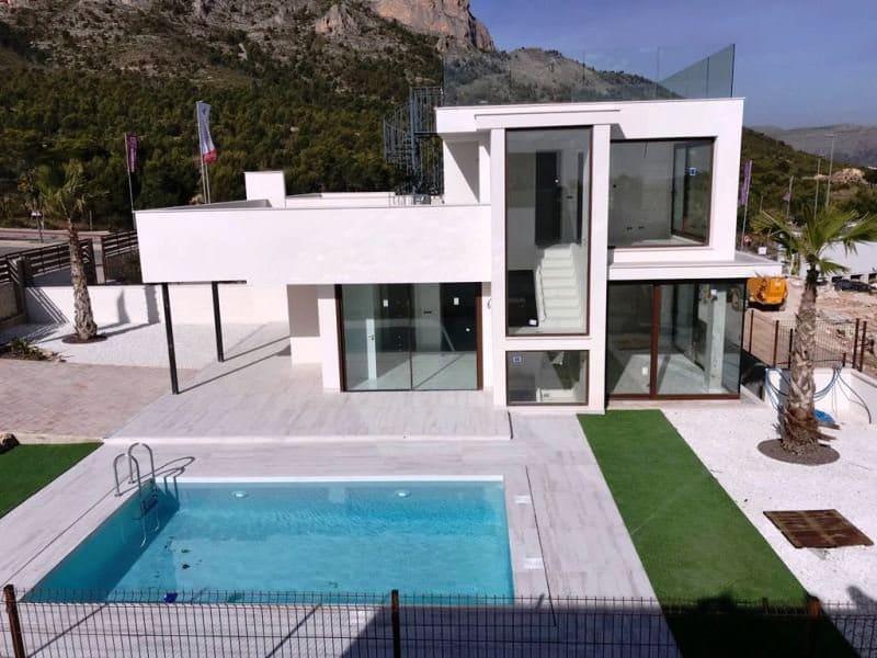 Chalet de 3 habitaciones en Polop en venta con piscina - 428.000 € (Ref: 4394628)