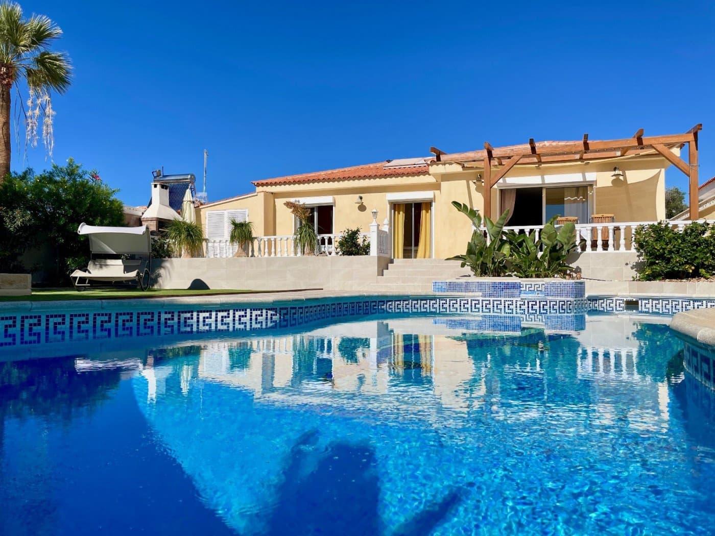 4 sovrum Bungalow till salu i Callao Salvaje med pool - 590 000 € (Ref: 5910560)