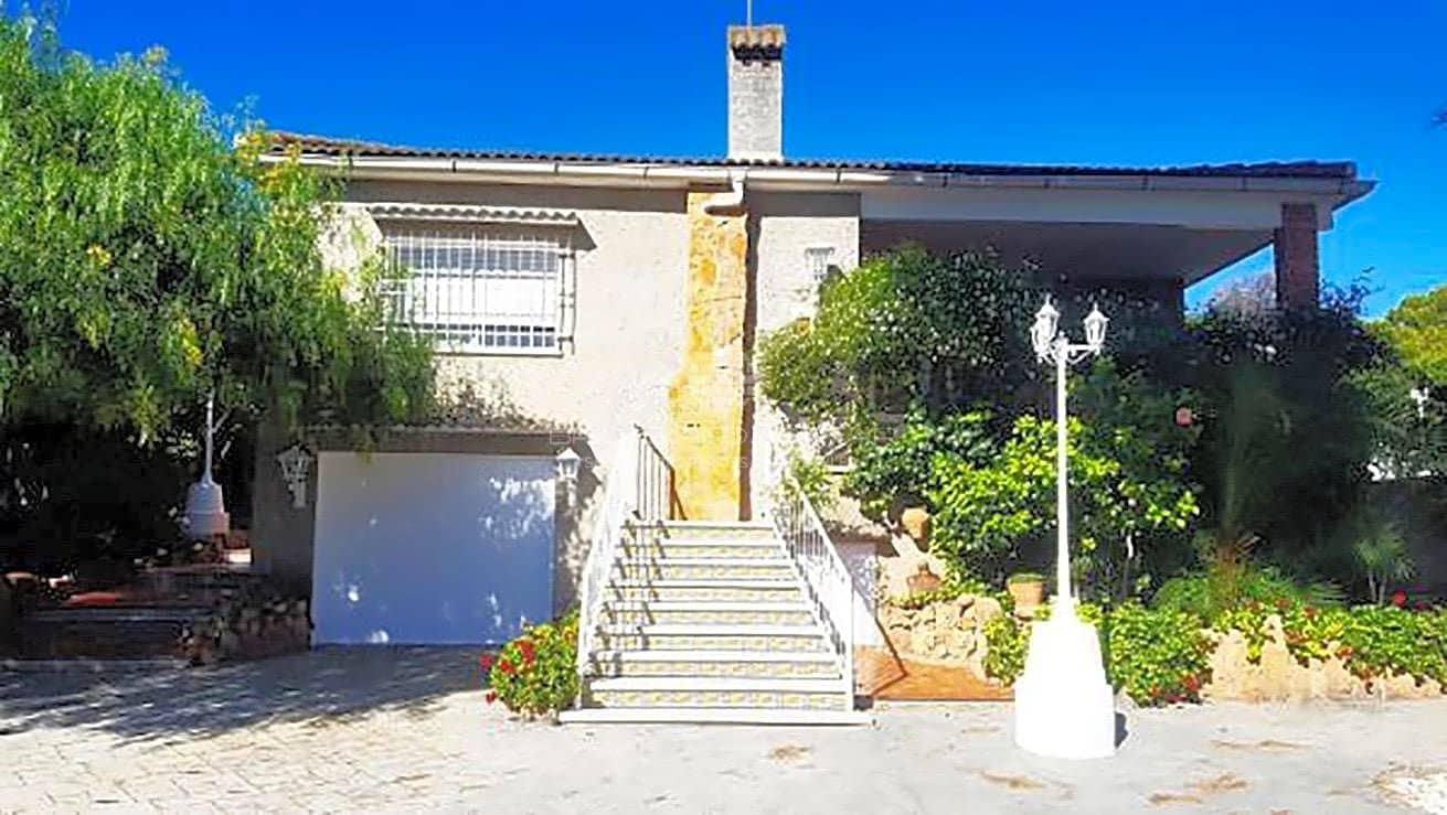 Chalet de 3 habitaciones en Albalat dels Tarongers en venta con piscina garaje - 175.000 € (Ref: 4806003)