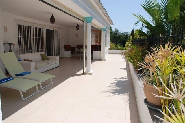 5 chambre Bungalow à vendre à Guadalmina avec piscine garage - 778 000 € (Ref: 5420895)