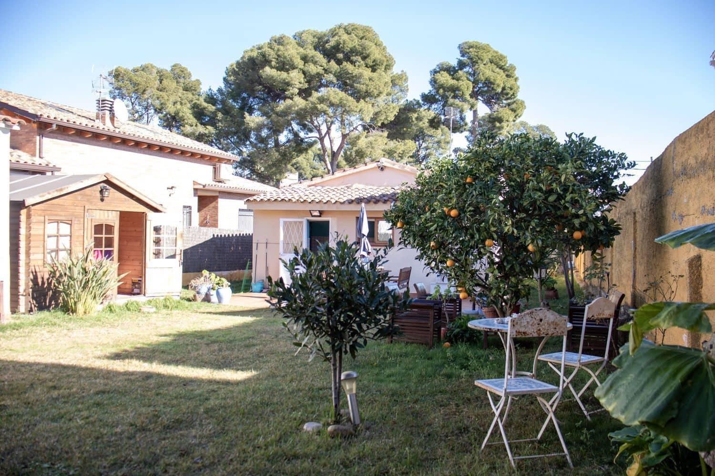 Chalet de 3 habitaciones en Castelldefels en venta con garaje - 610.000 € (Ref: 4977411)