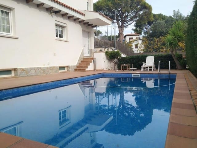 4 bedroom Villa for sale in Castelldefels with pool garage - € 850,000 (Ref: 5731089)