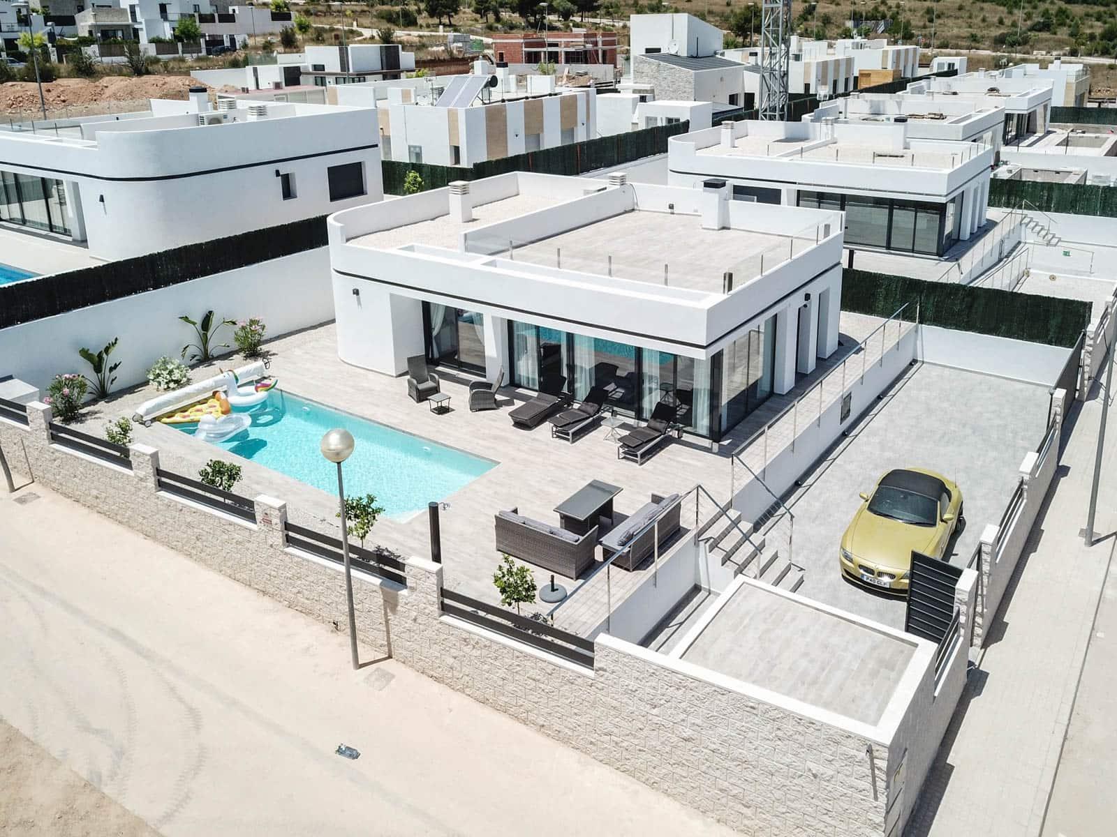 Chalet de 3 habitaciones en Polop en venta con piscina garaje - 345.000 € (Ref: 4690506)