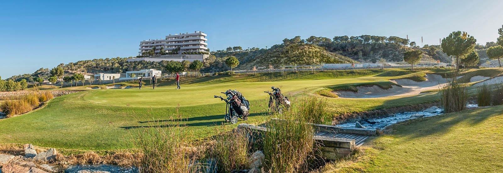 Apartamento de 3 habitaciones en Las Colinas Golf en venta con piscina garaje - 565.000 € (Ref: 4967997)