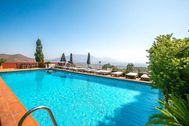 3 slaapkamer Villa te huur in Ojen - € 2.400 (Ref: 5343634)