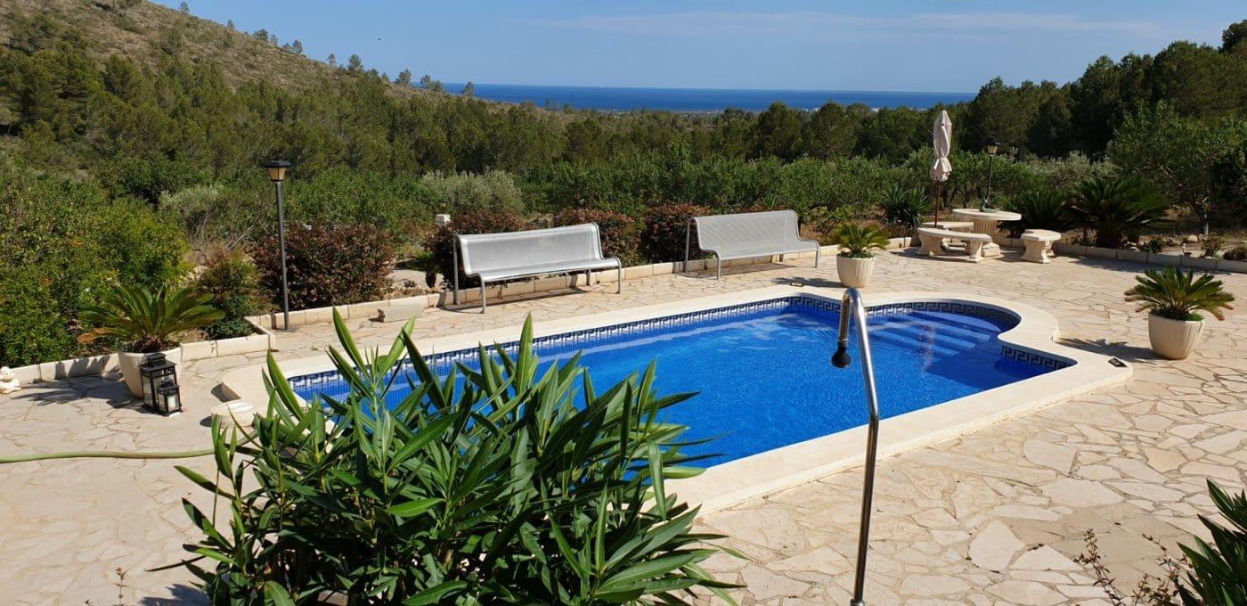 Finca/Casa Rural de 4 habitaciones en Tivissa en venta con piscina garaje - 400.000 € (Ref: 4916709)