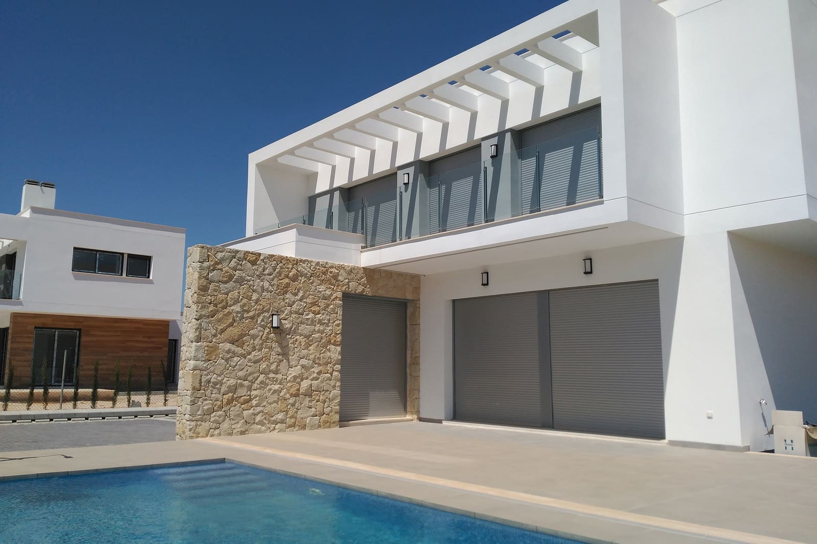 Chalet de 4 habitaciones en Orihuela en venta con piscina - 379.000 € (Ref: 4893614)