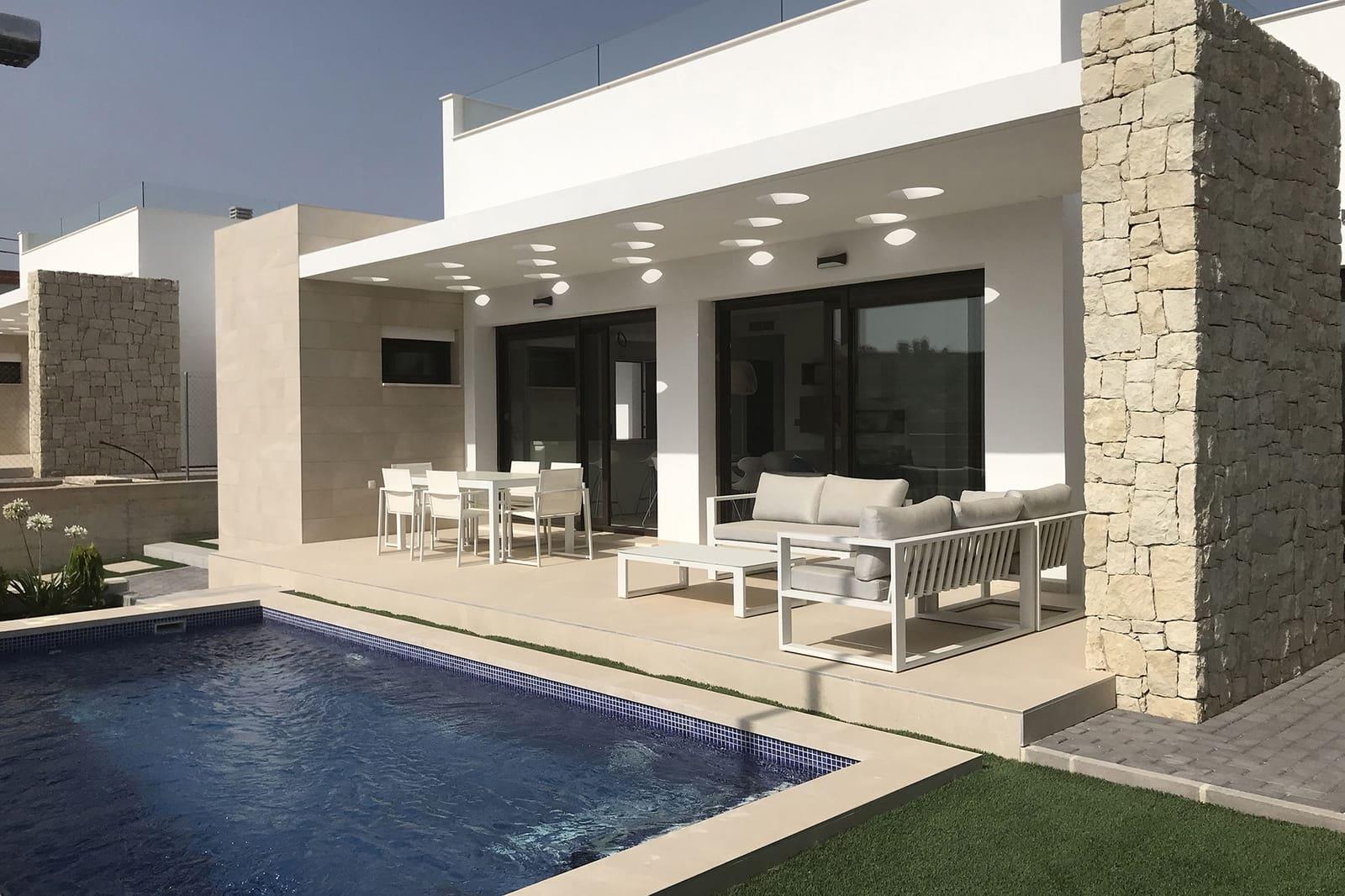 Chalet de 3 habitaciones en Orihuela en venta con piscina - 269.000 € (Ref: 4893615)