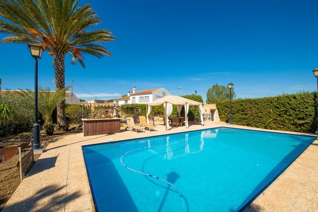 8 makuuhuone Maalaistalo myytävänä paikassa La Pinilla mukana uima-altaan  autotalli - 298 000 € (Ref: 5946108)
