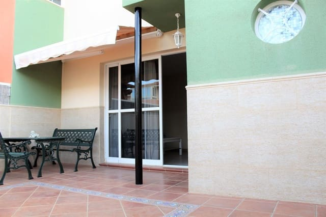 3 soveværelse Byhus til salg i Puerto del Rosario - € 135.000 (Ref: 6050271)