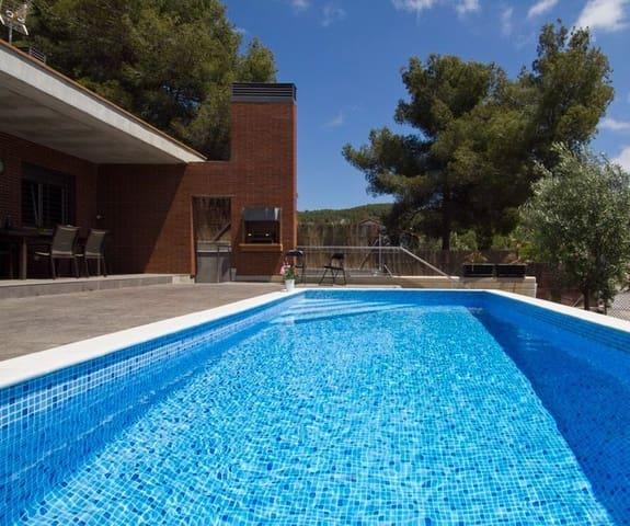 3 soveværelse Villa til leje i Sant Pere de Ribes med swimmingpool garage - € 3.000 (Ref: 6055436)