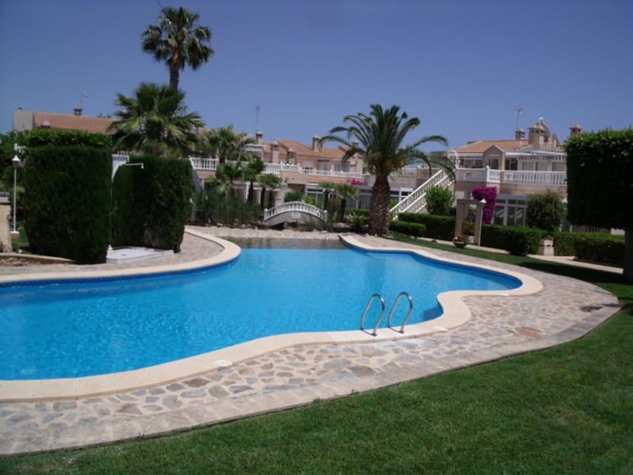 Apartamento de 2 habitaciones en Playa Flamenca en venta - 132.000 € (Ref: 5068352)