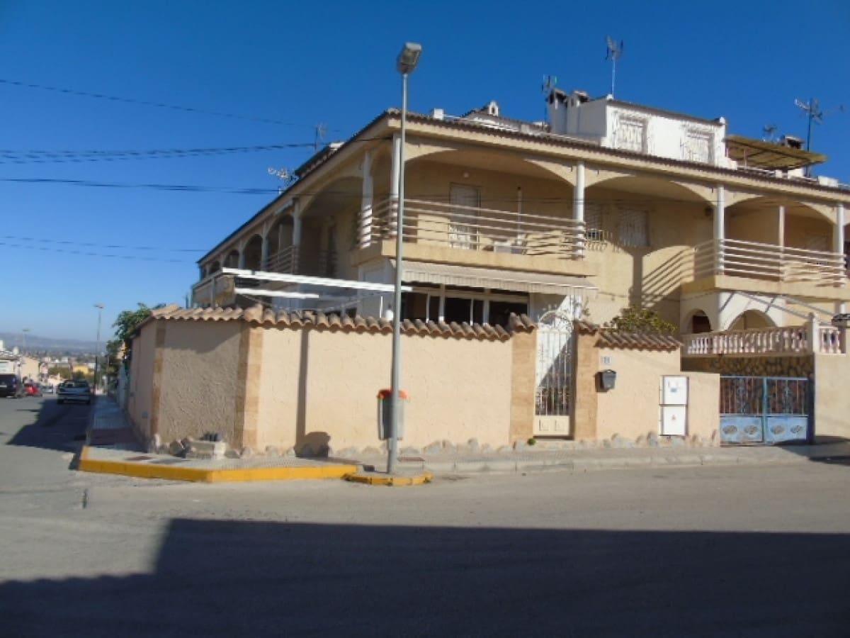 Adosado de 4 habitaciones en Benijófar en venta - 145.000 € (Ref: 4997451)