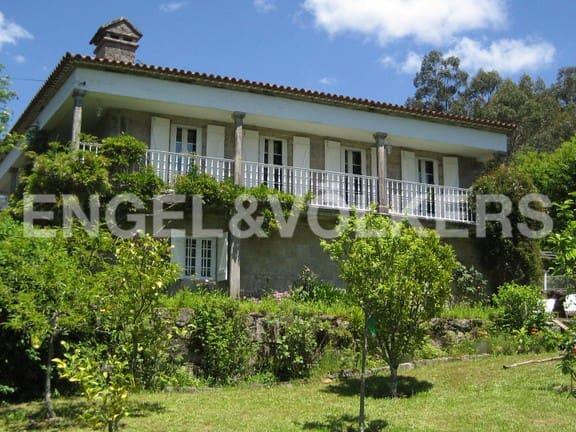 Chalet de 6 habitaciones en A Lama en venta con garaje - 475.000 € (Ref: 4826274)