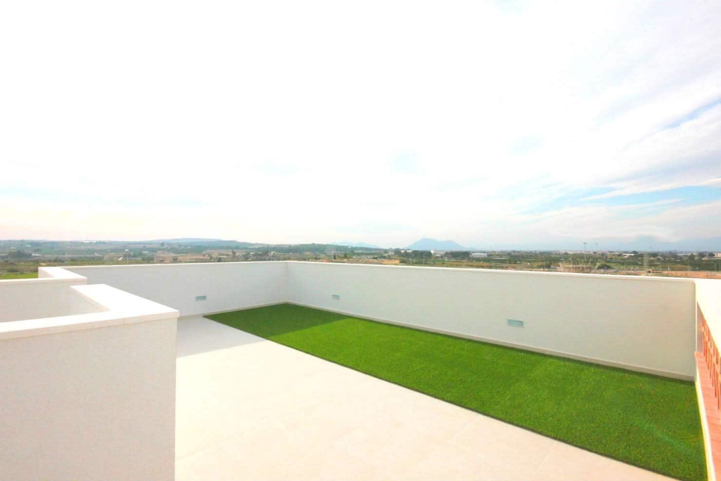Chalet de 3 habitaciones en Benijófar en venta con piscina - 247.900 € (Ref: 5073920)