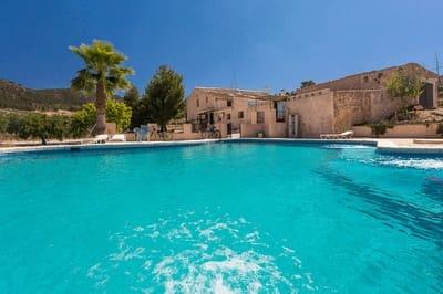 8 bedroom Finca/Country House for sale in La Zarza - € 350,000 (Ref: 5342445)