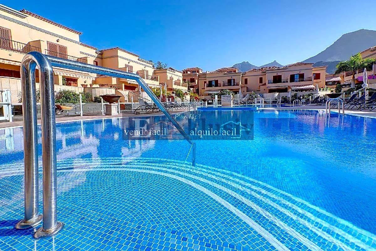 3 sovrum Villa till salu i Adeje - 695 000 € (Ref: 5805900)