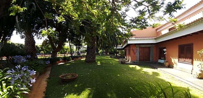 9 soverom Villa til salgs i Santa Cruz de Tenerife - € 1 050 000 (Ref: 5806030)