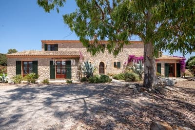 6 bedroom Finca/Country House for sale in Arta with pool - € 1,750,000 (Ref: 4667909)