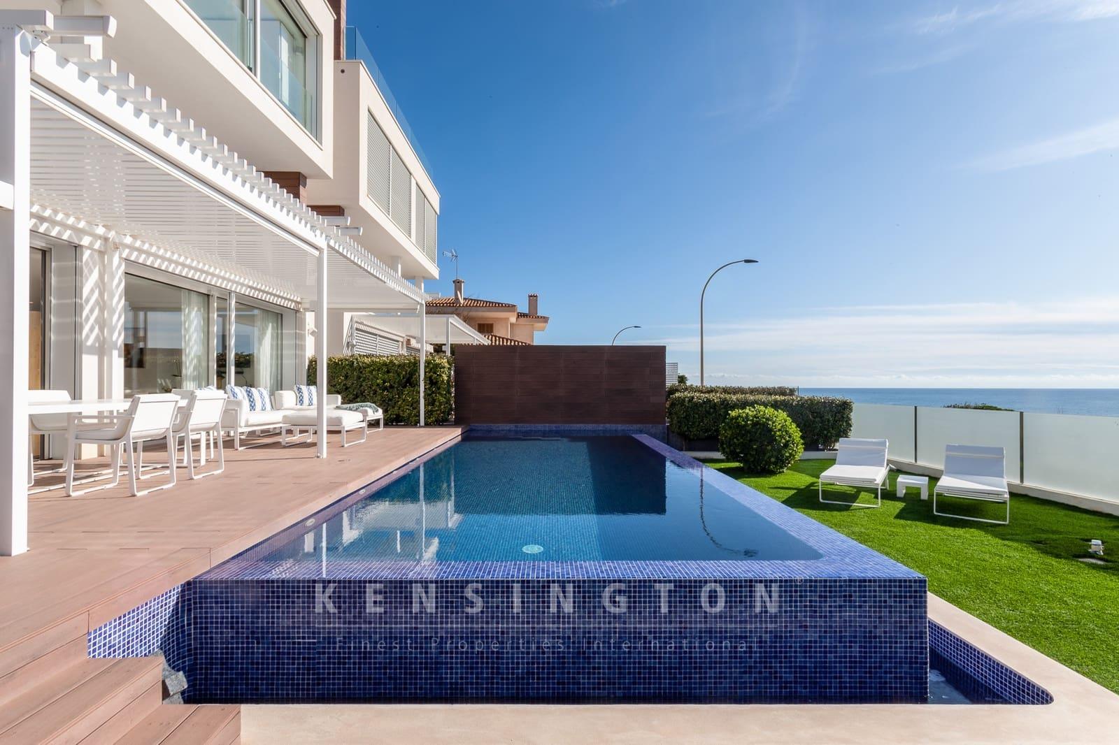 2 bedroom Apartment for sale in Portocristo / Port de Manacor with pool - € 998,000 (Ref: 4851457)