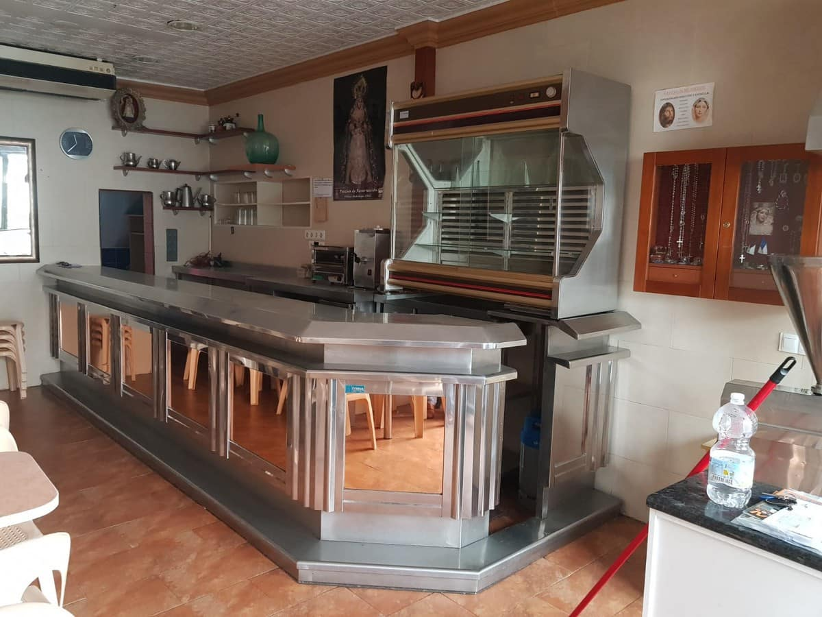 2 bedroom Commercial for sale in Velez-Malaga - € 199,500 (Ref: 4725902)