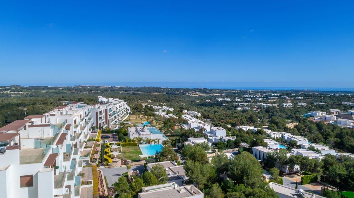 Apartamento de 2 habitaciones en Las Colinas Golf en venta con piscina - 279.000 € (Ref: 5078661)