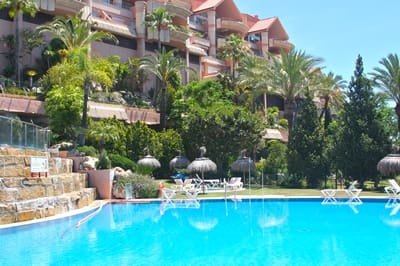 2 bedroom Apartment for holiday rental in Marbella with pool garage - € 950 (Ref: 4446872)
