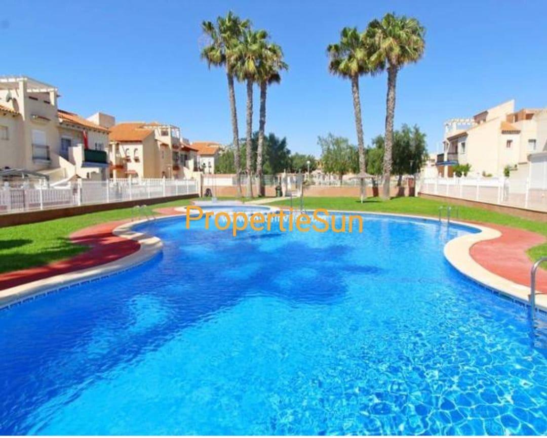 Apartamento de 2 habitaciones en Playa Flamenca en venta con piscina - 97.000 € (Ref: 4641429)