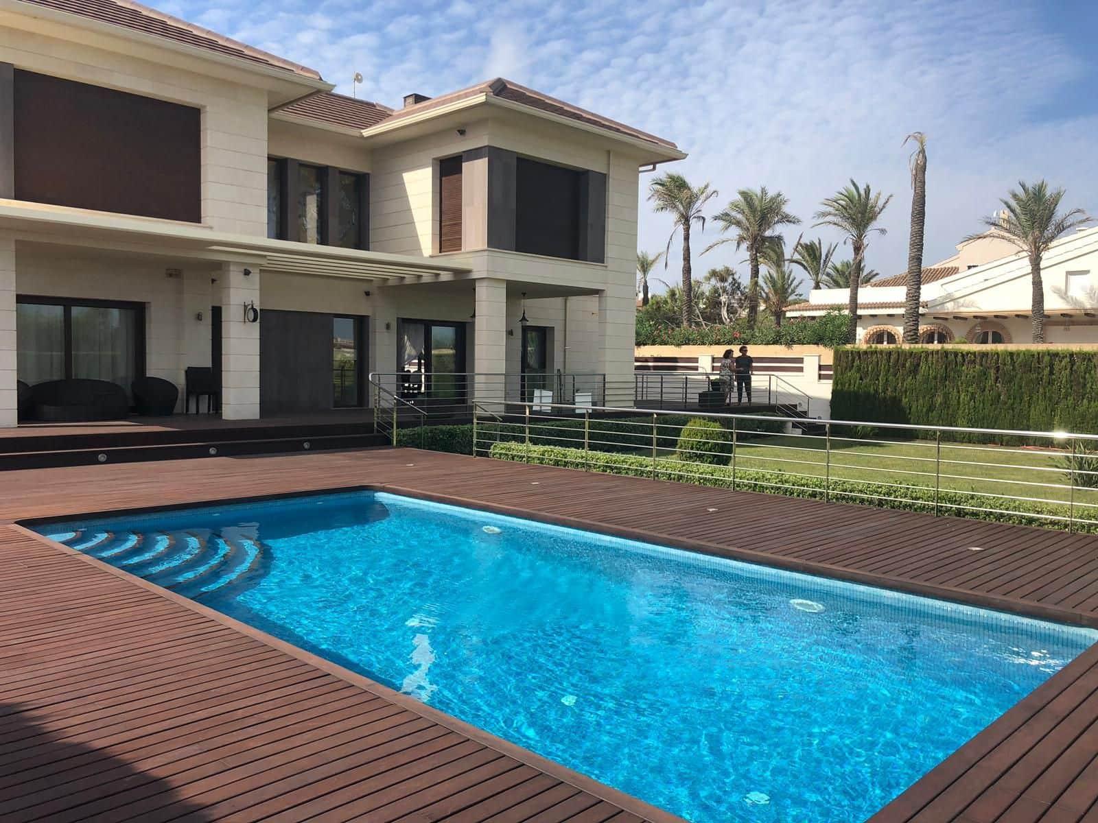 4 bedroom Villa for rent in Torrevieja with pool garage - € 3,000 (Ref: 4758684)
