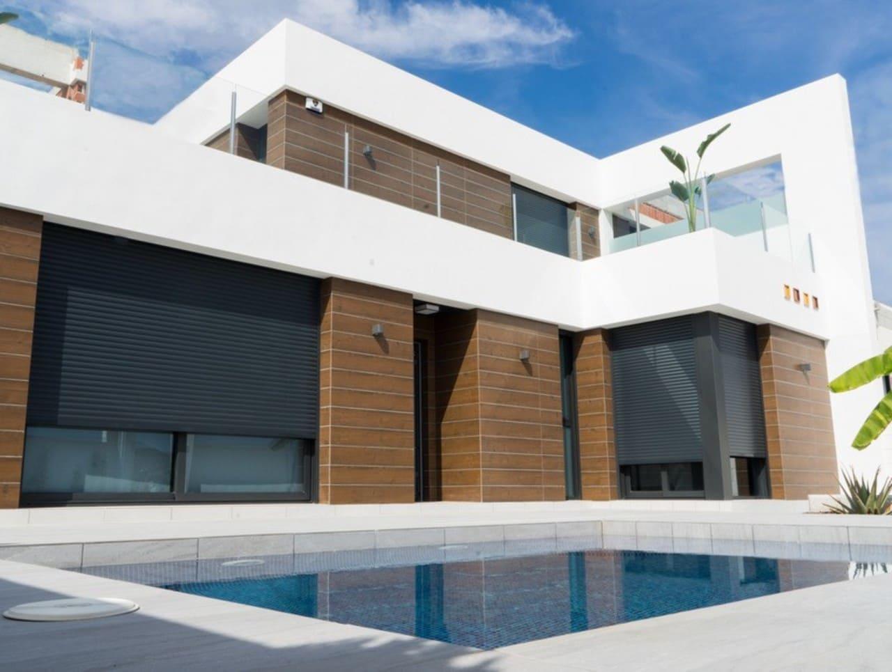 Chalet de 3 habitaciones en Benijófar en venta con piscina - 285.000 € (Ref: 5036867)