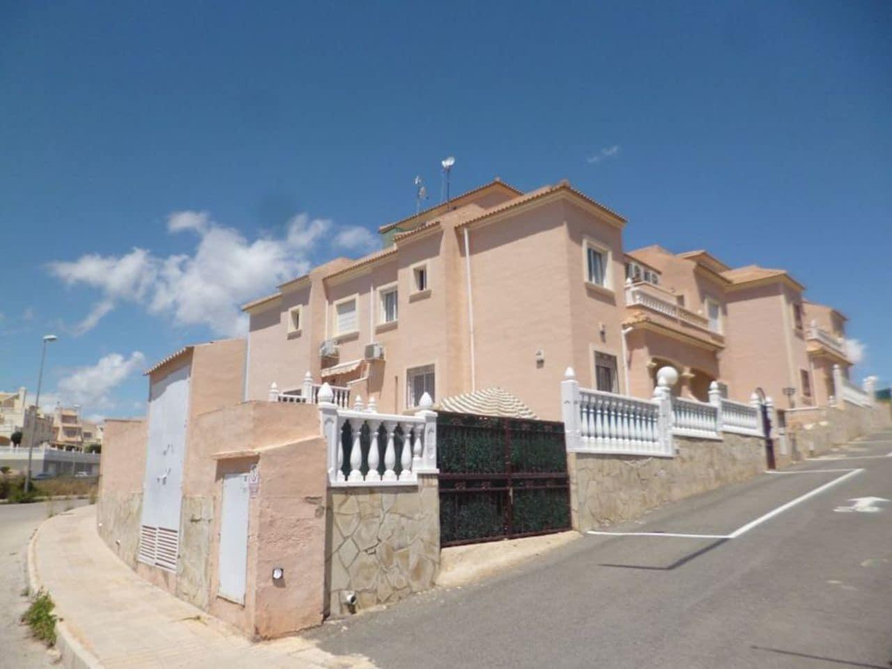 Casa de 3 habitaciones en Playa Flamenca en venta con piscina - 174.995 € (Ref: 5050263)