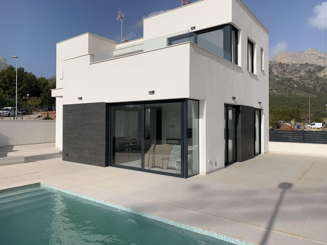 Chalet de 3 habitaciones en Polop en venta con piscina - 330.000 € (Ref: 5070655)