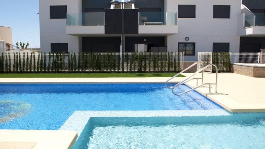 Casa de 3 habitaciones en Pilar de la Horadada en venta con piscina - 189.900 € (Ref: 4717377)