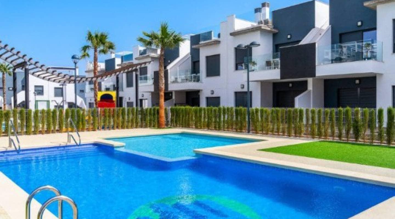 Casa de 2 habitaciones en Pilar de la Horadada en venta con piscina - 169.900 € (Ref: 4914666)
