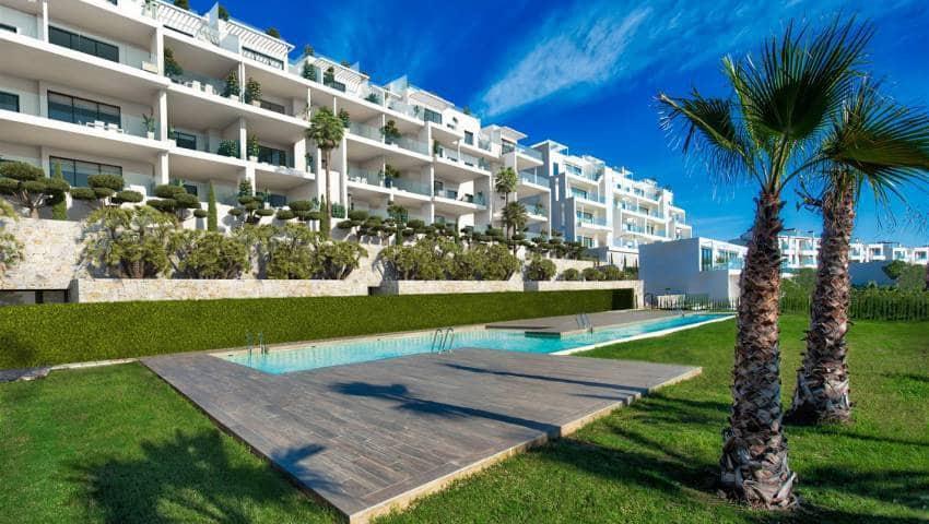 Apartamento de 2 habitaciones en Las Colinas Golf en venta con piscina - 284.000 € (Ref: 4949752)