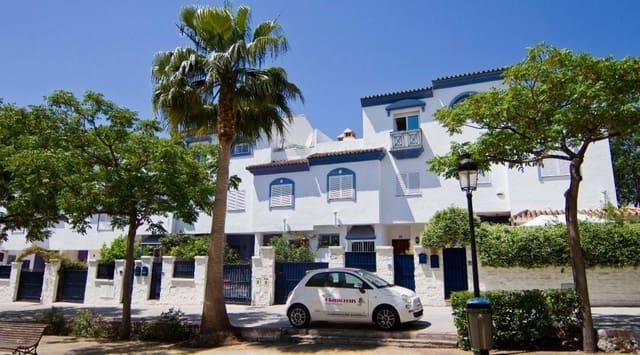 5 soveværelse Byhus til salg i San Pedro de Alcantara med swimmingpool - € 495.000 (Ref: 5385360)