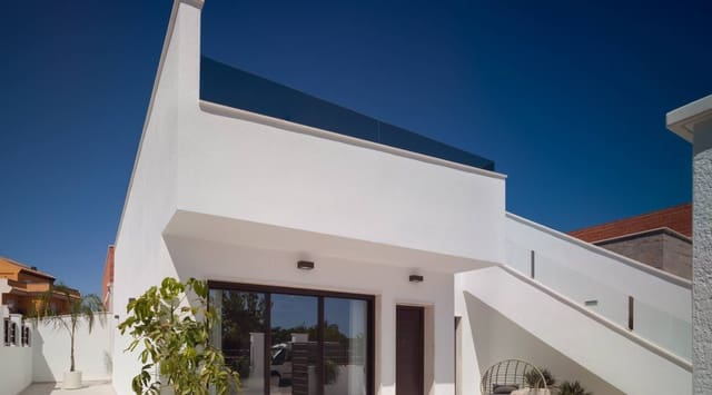 3 soveværelse Semi-Rækkehus til salg i San Pedro del Pinatar med swimmingpool - € 239.900 (Ref: 5485476)