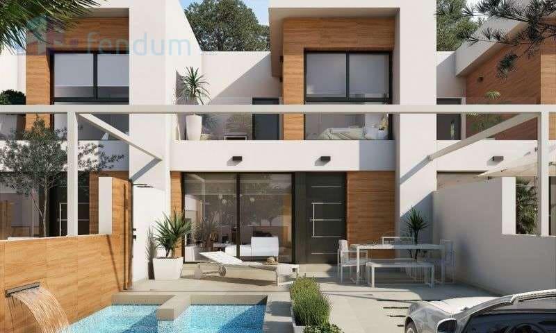 Chalet de 3 habitaciones en Benijófar en venta con piscina - 189.900 € (Ref: 4974256)