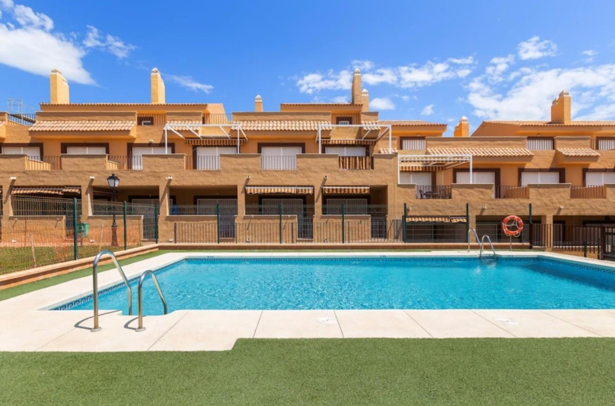 1 bedroom Apartment for sale in Manilva with pool garage - € 85,000 (Ref: 5118641)