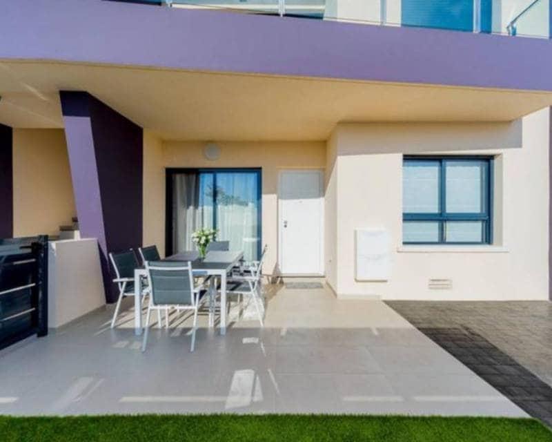 2 slaapkamer Appartement te huur in Mil Palmeras met zwembad - € 800 (Ref: 5323022)